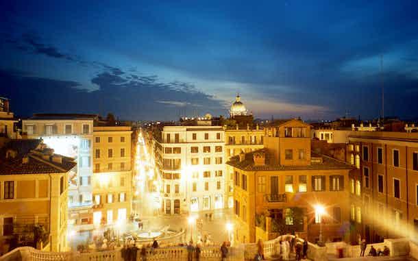 Roma Plaza de España de noche