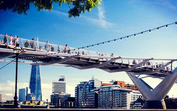agosto en londres puente milenio