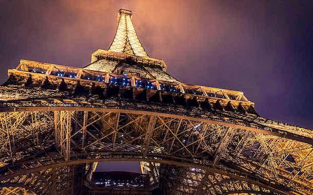 Entrada de noche Torre Eiffel París